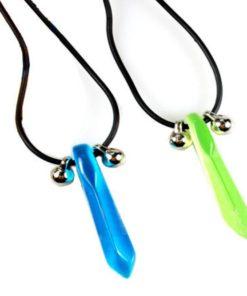 На картинке кулон-ожерелье Наруто (Naruto) 2 варианта.