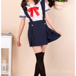 На картинке японская школьная форма (Вариант 4), вид спереди.