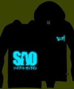 """На картинке светящаяся толстовка «Sword Art Online». вид спереди и сзади, вариант Надпись """"SAO""""."""