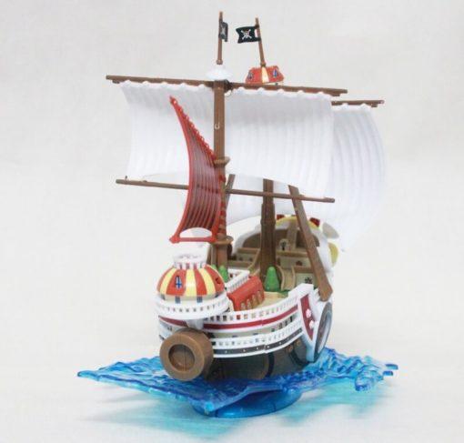 На картинке корабль Луффи Саузенд Санни (Ван пис), вид сзади.