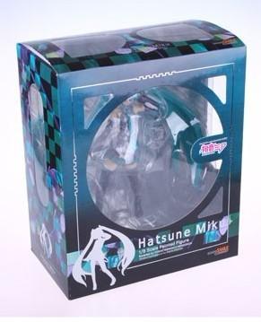 На картинке фигурка Хатсуне Мику (Вокалоиды), вид в упаковке.