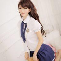 На картинке японская школьная форма (Вариант 6), общий вид.