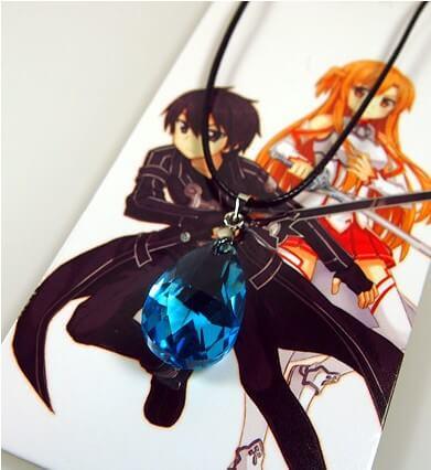 На картинке кулон душа Юи «Sword Art Online».