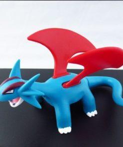 На картинке фигурка покемона Саламенса (Покемон), общий вид.