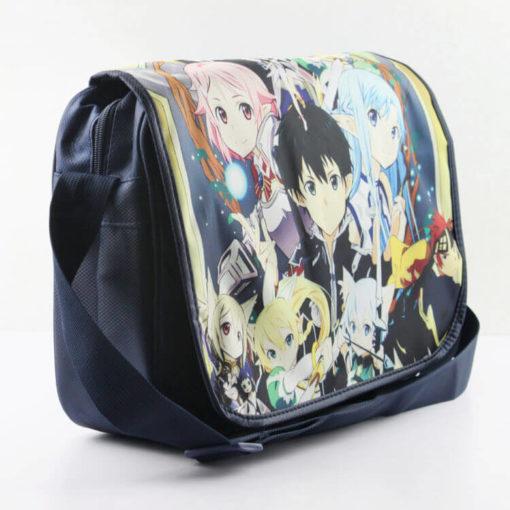 На картинке сумка «Sword Art Online» (SAO) с персонажами, общий вид.