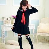 На картинке японская школьная форма (зимняя) 2 цвета, вид спереди, цвет черный.
