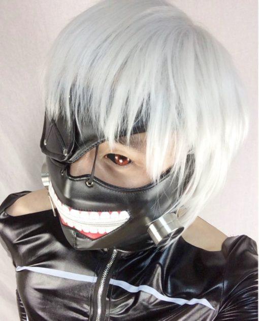 На картинке маска Канеки Кена Токийский гуль, общий вид.