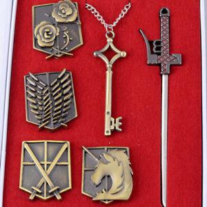 На картинке набор Атака титанов (6 предметов), общий вид.