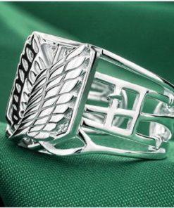 На картинке кольцо Атака титанов (серебро 925 пробы), общий вид.