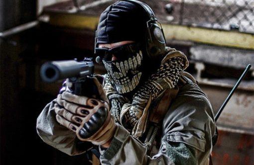 На картинке маска призрака-гоуста (ghosts) Сall of duty, летний вариант.