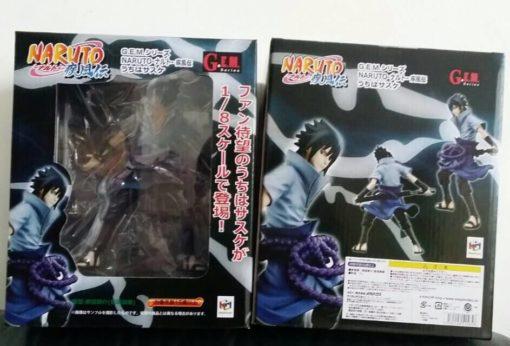 На картинке фигурка Саске Учиха (Наруто), вид в упаковке.