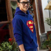 На картинке толстовка Супермен (Superman), общий вид.