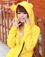 На картинке толстовка медведь с ушками (ушами) на капюшоне (4 цвета), общий вид, цвет желтый.