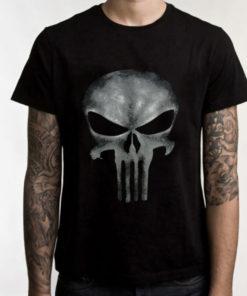На картинке футболка Карателя из фильма «The Punisher», вид спереди.