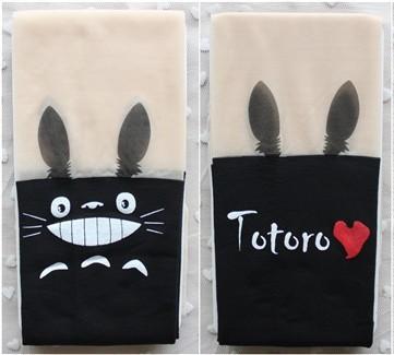 На картинке колготки Тоторо, в сложенном виде.