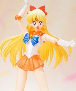 На картинке фигурка Сейлор Венера (Sailor Venus) — Сейлормун, детали.