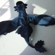 Мягкая игрушка большой дракон Беззубик (Ночная фурия) дышит огнем фото