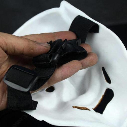 На картинке японская маска демона Ондеко (Кабуки), вид сзади, вариант Белая.