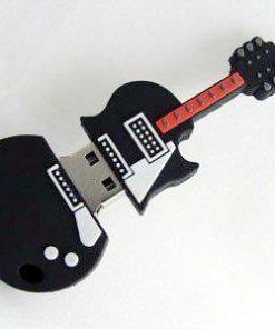 На картинке флешка в виде гитары.