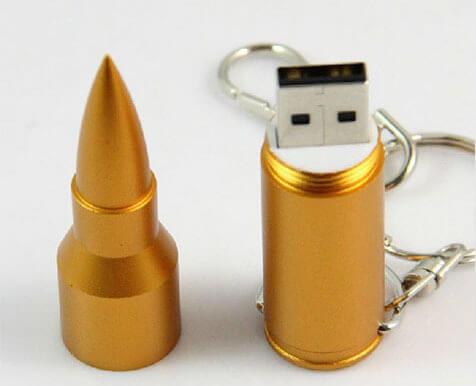 На картинке флешка-патрон в виде пули (2 варианта), вариант Золотой.