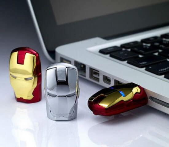 На картинке флешка в виде Железного Человека (Iron Man), общий вид.