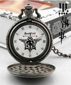 На картинке карманные часы Темный дворецкий (Kuroshitsuji), в открытом виде.