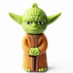 На картинке флешка Йода из Звездных Войн (Star Wars), вид спереди.