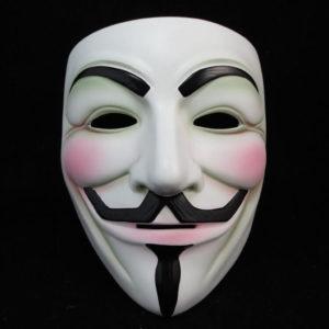 На картинке маска Гая Фокса из фильма V значит Вендетта (Анонимус), вариант 3 (белая), вид спереди.