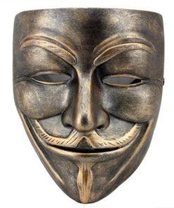 На картинке маска Гая Фокса из фильма V значит Вендетта (Анонимус), вариант 3 (бронза), вид спереди.