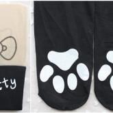 На картинке колготки с эффектом имитации чулок (чулков) Hello Kitty (3 варианта), в сложенном виде, вариант Черные с лапками.