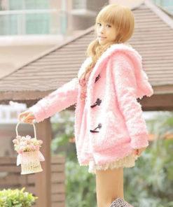 На картинке толстовка заяц с ушками (ушами) на капюшоне, вид сбоку, цвет розовый.
