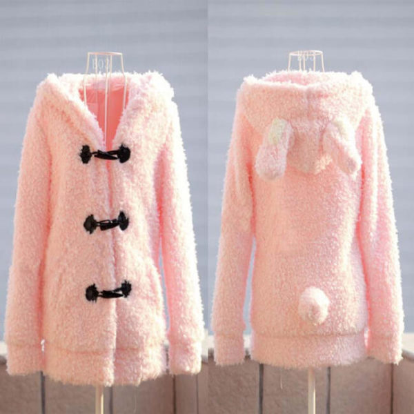 На картинке толстовка заяц с ушками (ушами) на капюшоне, вид спереди и сзади, цвет розовый.