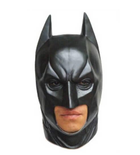 На картинке маска Бэтмена (3 варианта), вид спереди, вариант 2.