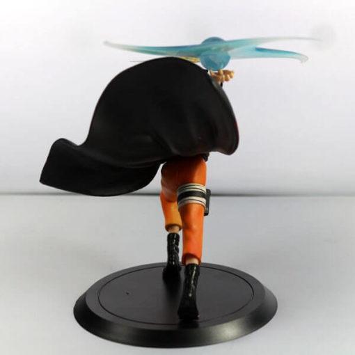 На картинке фигурка Наруто Узумаки с разенганом (Наруто), вид сзади.