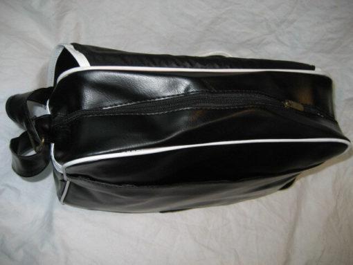 На картинке сумка Тетрадь смерти (2 варианта), вариант L, вид сверху.