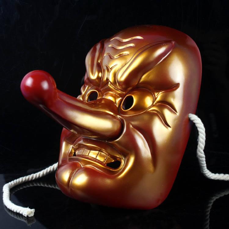 На картинке японская маска демона Тэнгу (Кабуки), общий вид, вариант С бронзовым напылением.