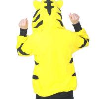 На картинке толстовка тигр с ушками (ушами) на капюшоне, вид сзади.