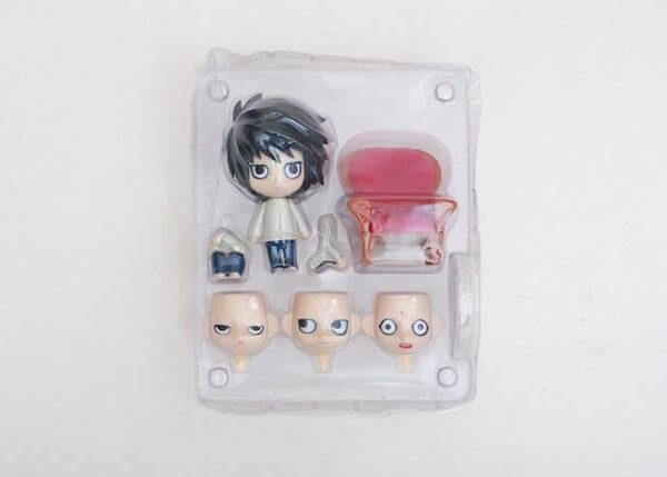 На картинке фигурка нендроид Эл (L) Тетрадь смерти, вид в упаковке.