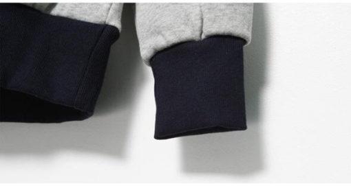 На картинке толстовка Микки Маус с ушками (ушами) на капюшоне, детали, вариант Черный.