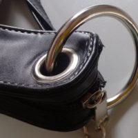 На картинке сумка-клатч Топор, детали.