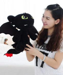 На картинке мягкая игрушка дракон Беззубик (Как приручить дракона), общий вид.