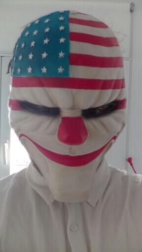 На картинке маски из Рayday 2 (Пейдей), 1 вариант. вид спереди.