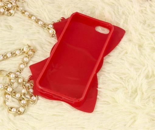 На картинке чехол на Айфон (для Iphone 4, 4S, 5, 5S) c цепочкой из Сейлормун, вид сзади, цвет красный.