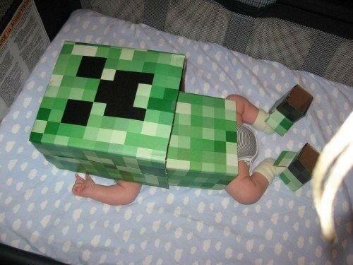 На картинке маски Майнкрафт (Minecraft) — 2 варианта, вариант Крипер.