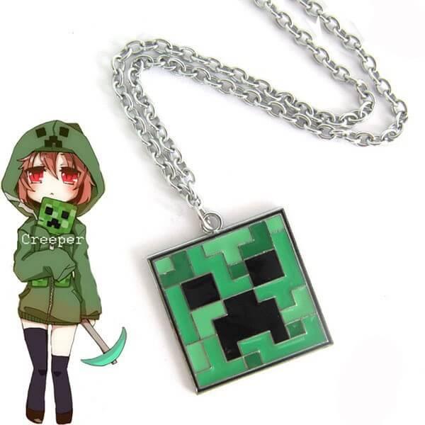 На картинке кулон «Крипер» из игры Майнкрафт (Minecraft), общий вид.