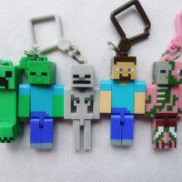 На картинке набор фигурок-брелков Майнкрафт (10 штук), вид спереди.