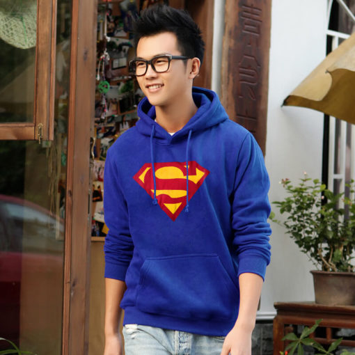 На картинке толстовка Супермен (Superman), вид спереди.