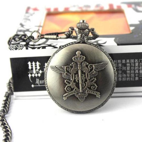 На картинке карманные часы Темный дворецкий (Kuroshitsuji), общий вид.