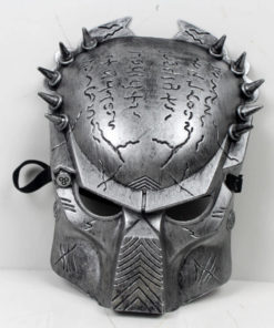 На картинке маска хищника (predator) 2 варианта, вид спереди, вариант Серебряный.