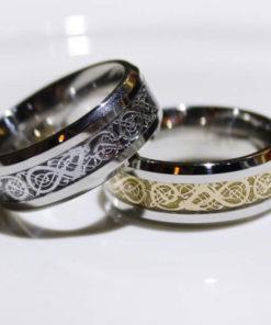 На картинке кольцо «Как приручить дракона», 2 варианта.